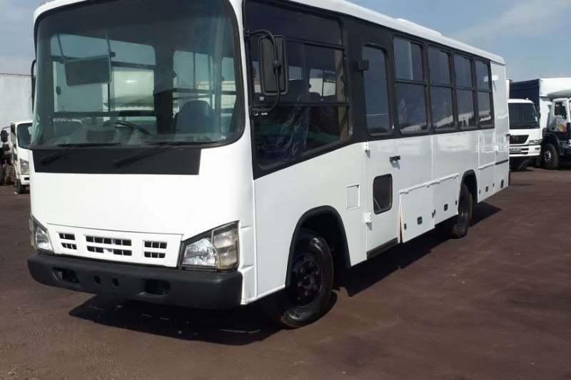 Isuzu Buses 26 seater ISUZU NQR500 BUS 25 SEATER 2009