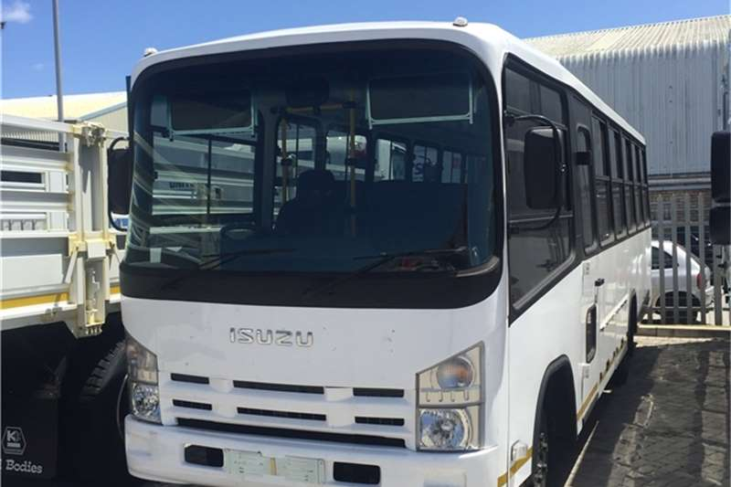 Isuzu Buses 32 seater NEW QR 500 LWB 35 seater 2020