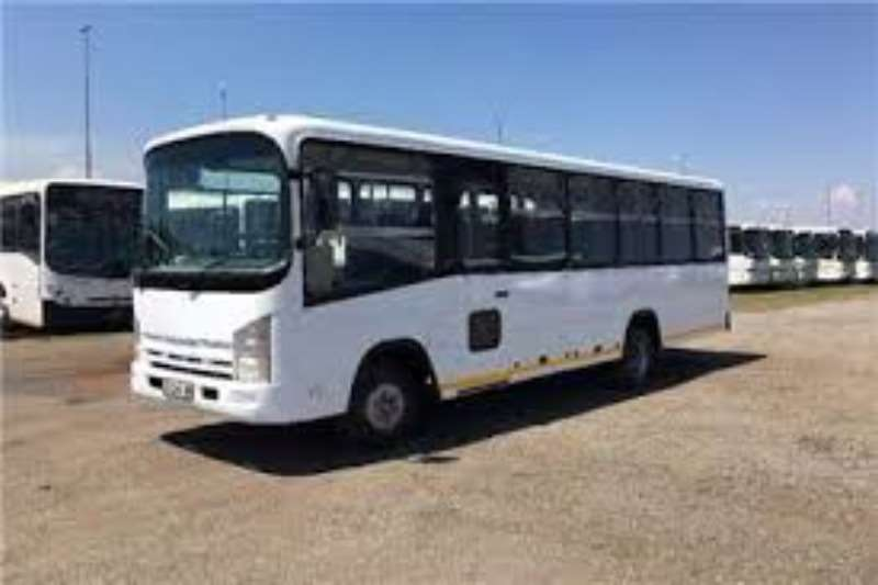 Isuzu Buses 32 seater NGR 500 34 Seater Commuter Bus 2019