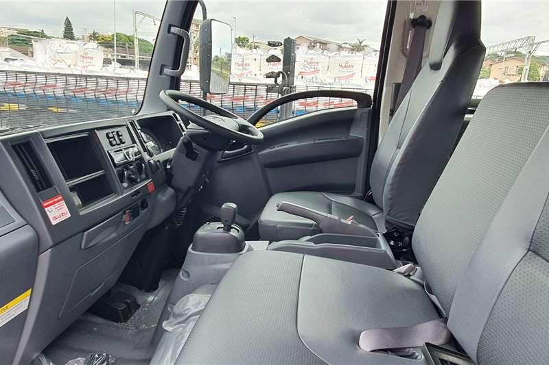 Isuzu 2021 NPR 400 Crew Cab Chassis Chassis cab trucks