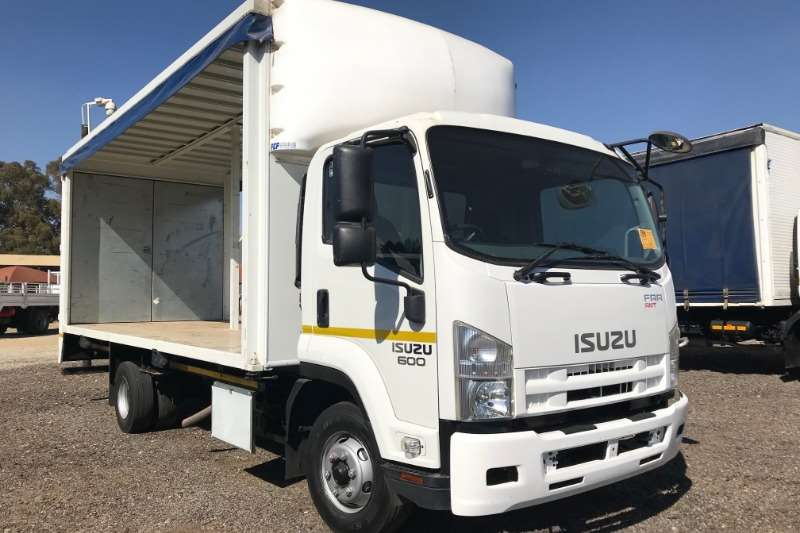 Isuzu Curtain side trucks FRR600 Curtain Side 2015