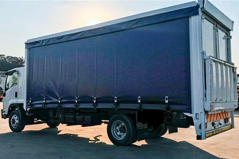 Isuzu FSR800 Curtain Side 8 Ton Truck with Tail lift Curtain side trucks