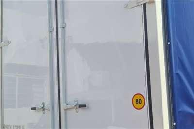 Isuzu FTR 850 Manual Curtain side trucks