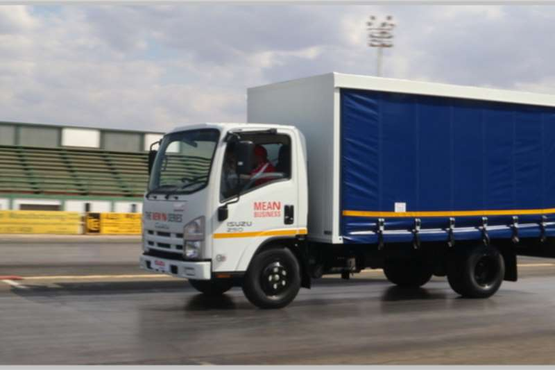 Isuzu NMR 250 AMT Curtain side trucks