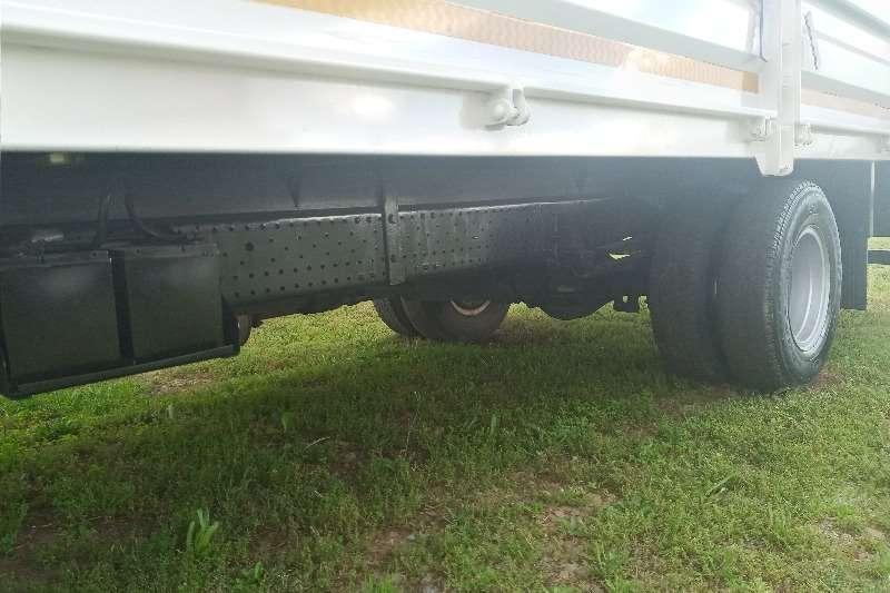 Isuzu 2013 Isuzu NPR 400   (4 Ton) Dropside Dropside trucks