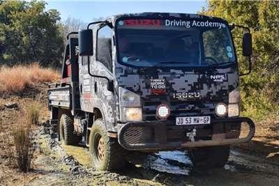 Isuzu 2019Isuzu NPS 300 Crew Cab 4x4 SWA Dropside trucks