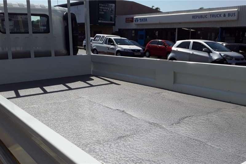 Isuzu Isuzu NPR300 3Ton Dropside Dropside trucks
