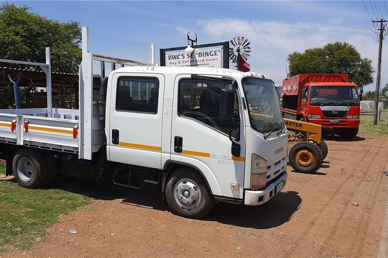 Isuzu N SERIES Dropside trucks