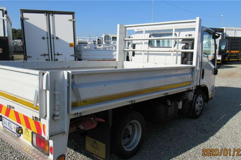 Isuzu NMR 150 DS Dropside trucks