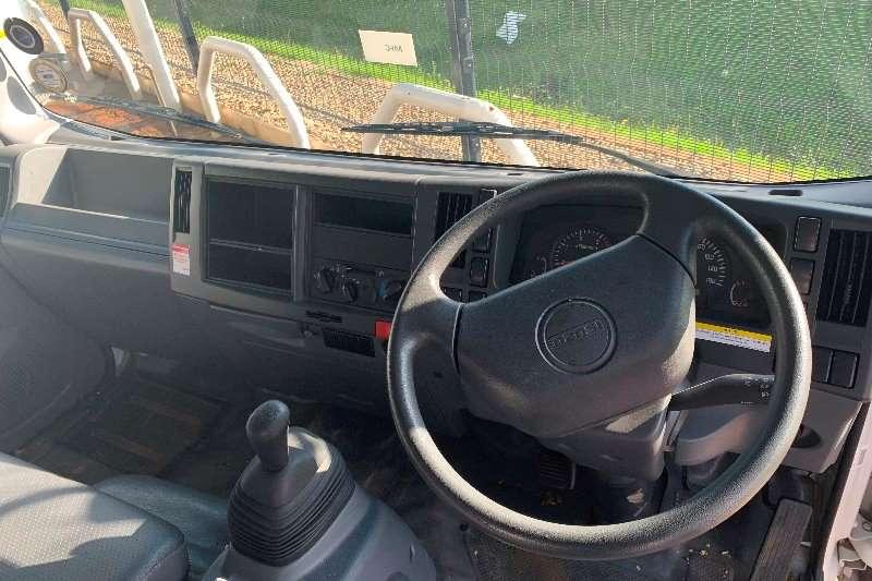 Isuzu NPR 400 F/C 4 Ton Dropside Dropside trucks