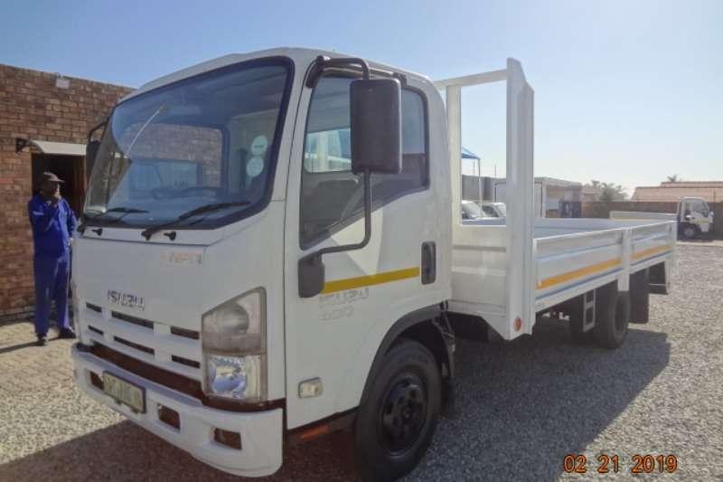 Isuzu Dropside trucks NPR400 ds 2012