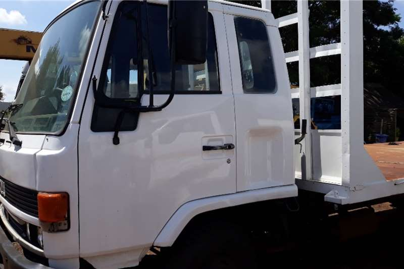 Isuzu Flatbed trucks ISUZU F500 FLAT DECK 8 TON ADE 366 PRICE NEG