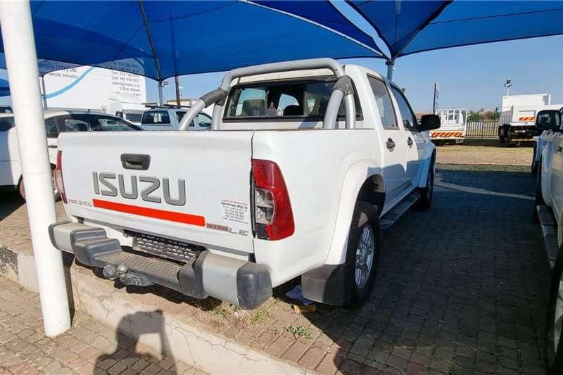 Isuzu Isuzu double cab 4x4 LDVs & panel vans