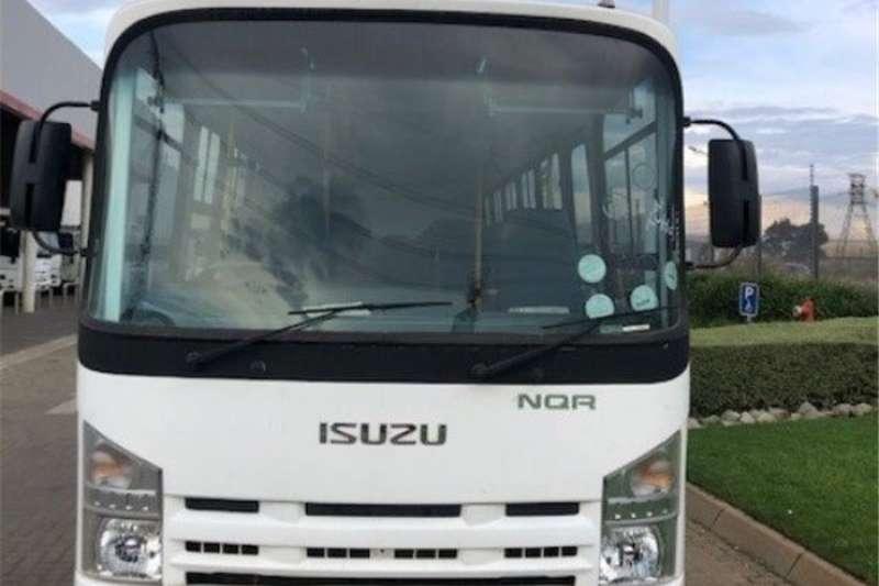 Isuzu NQR 500 F/C C/C Truck