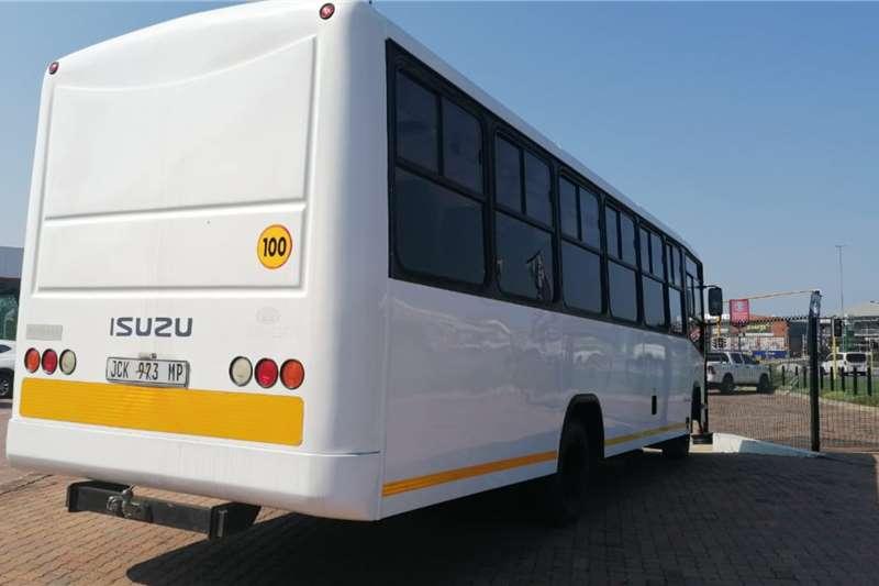 Isuzu 34 SEATER ISUZU BUS ONE OWNER BUS Other trucks