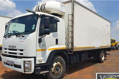 Isuzu FTR 850 SMOOTHER REFRIDGERATED TRUCK Refrigerated trucks