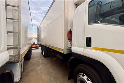 Isuzu X5 ISUZU FVM 1200 WITH FRIDGE BODY Refrigerated trucks