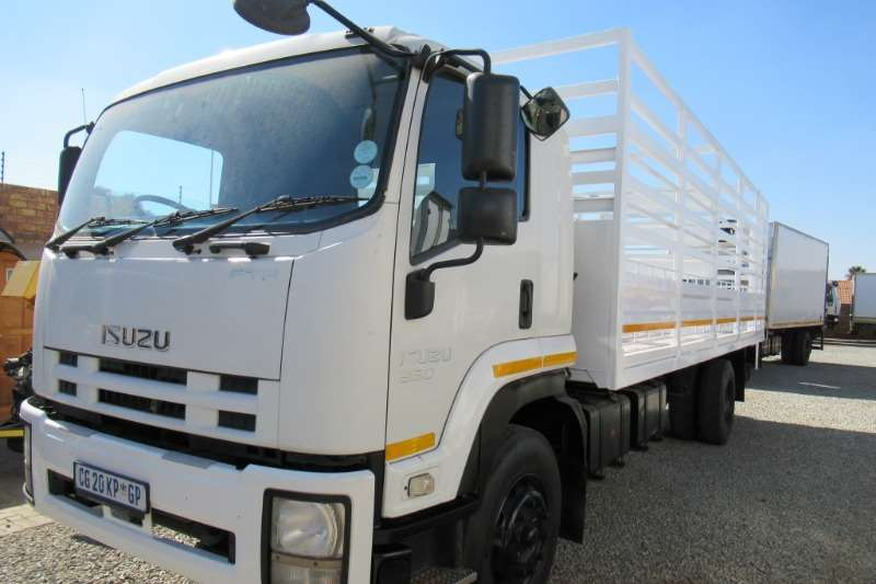 Isuzu Truck Cattle body FTR 850 2013