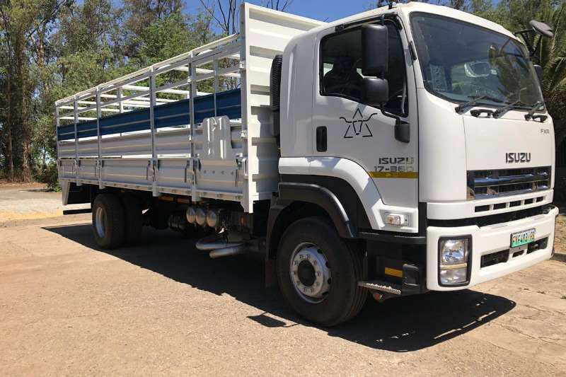 Isuzu Truck Cattle body FXR 17 360 AND 2014 JME CATTLE TRAILER 2016
