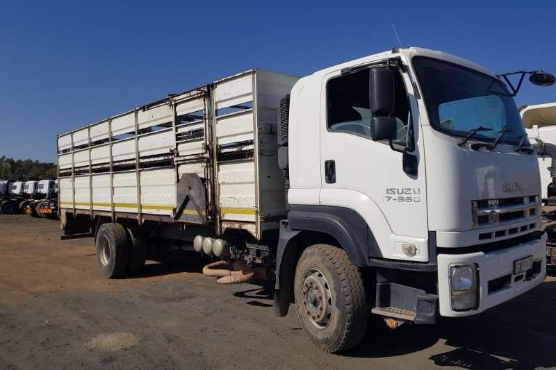 Isuzu Truck Cattle Body FXR 17-360 Cattle Body/ Double Deck 2011