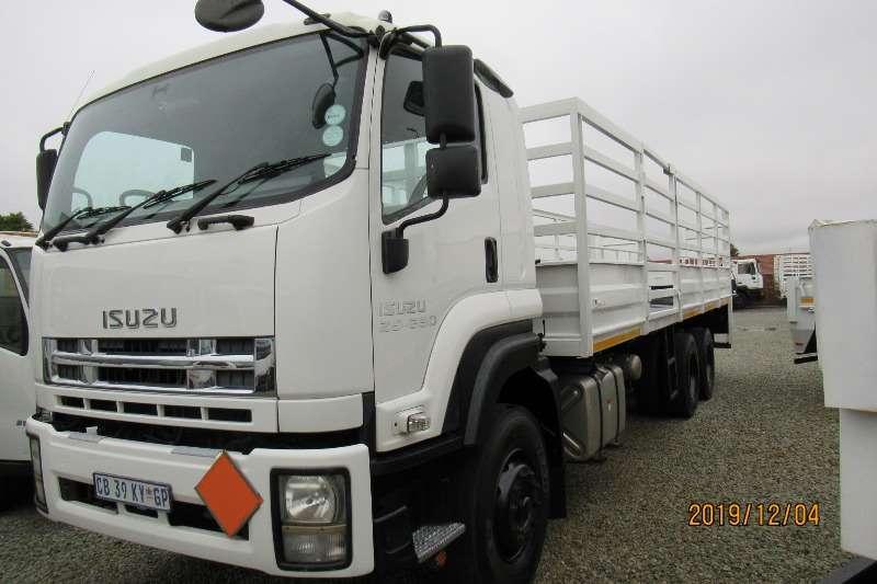 Isuzu Truck Cattle body FXZ26 360 Cattle body and tail lift 2012