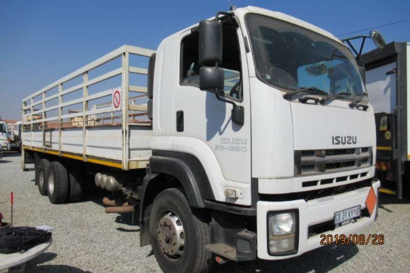 Isuzu Truck Cattle body Isuzu FXZ 26 360 cage body and tail lift 2012