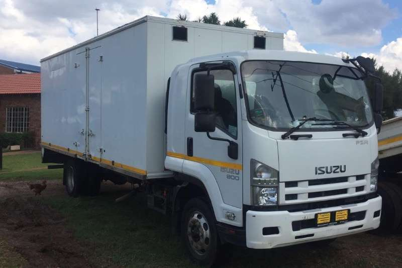 Isuzu Truck Closed body 2011 ISUZU 800 TRUCK  R349000 2011