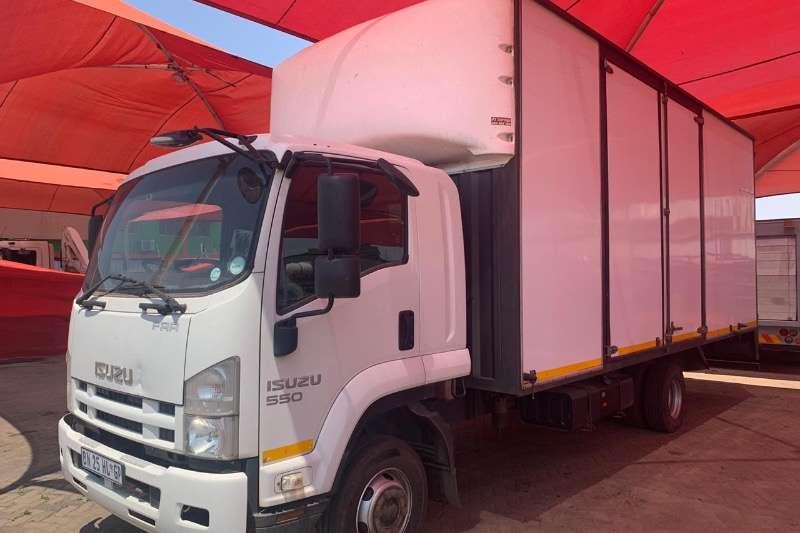 Isuzu Truck Closed body FRR 2011