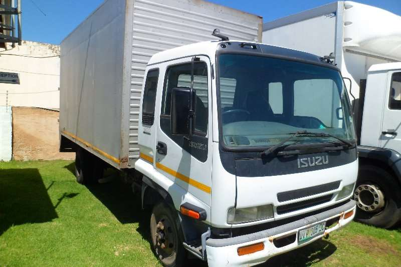 Isuzu Truck Closed body FRR 500 5 ton Van body 2007