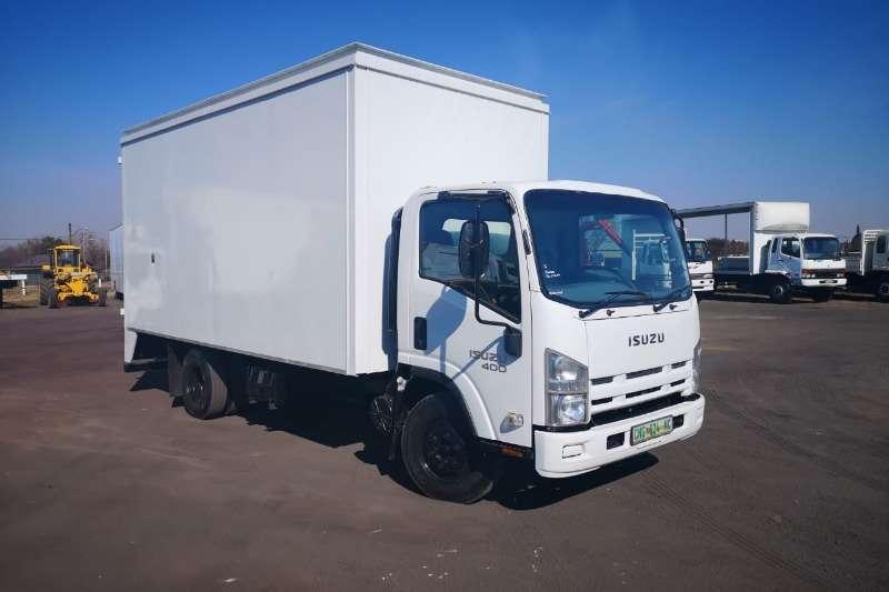 Isuzu Truck Closed body ISUZU NPR400 5m VAN BODY 2016