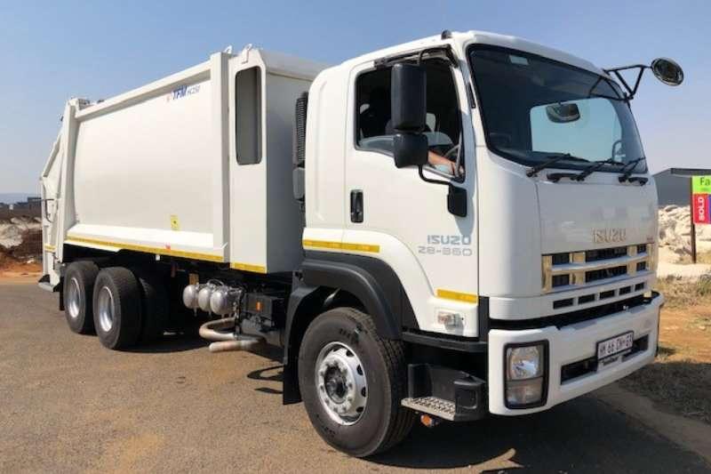 Isuzu Compactor FXZ 28   360 Demo Compactor Truck