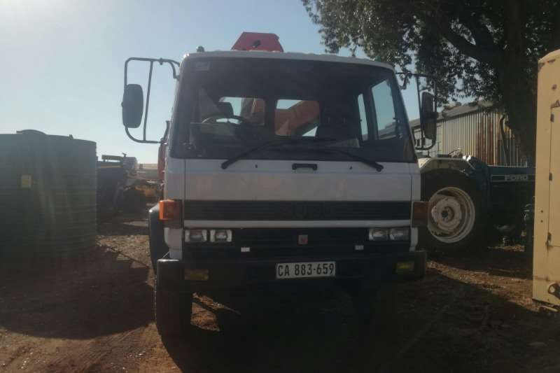 Isuzu Truck Crane Truck Isuzu F6500  fitted with Crane/Tip Body 1996
