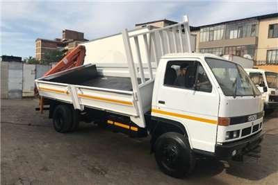 Isuzu Truck Crane Truck Isuzu N4000 Dropside/Crane/Side-Tipper ADE364T