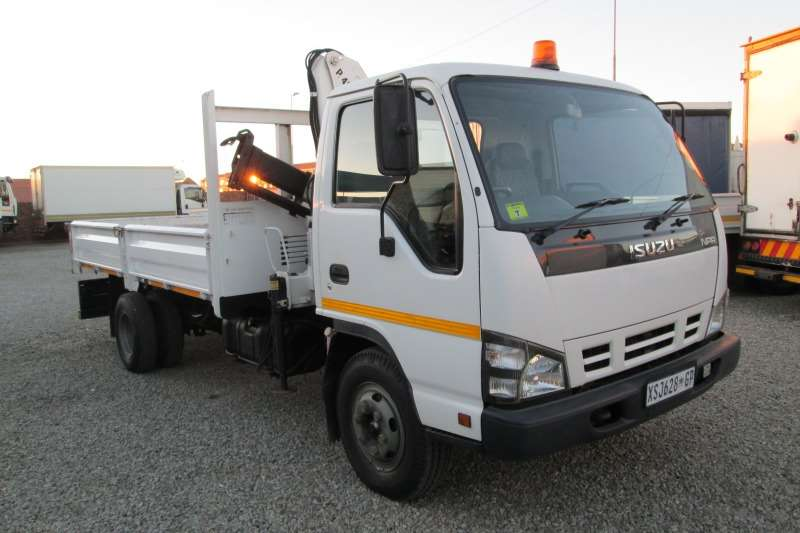 Isuzu Truck Crane truck NPR400 with Bonfiglio 4 ton Crane 2008