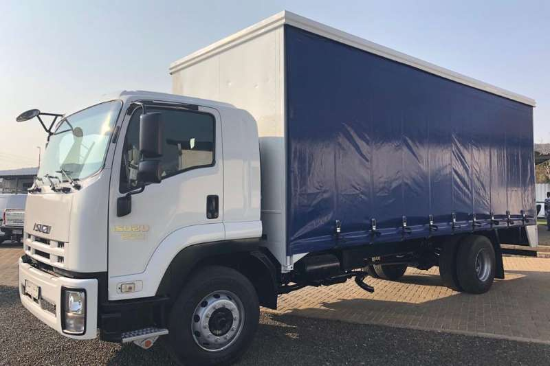 Isuzu Truck Curtain side FTR850 fitted with Curtainside Body 2016