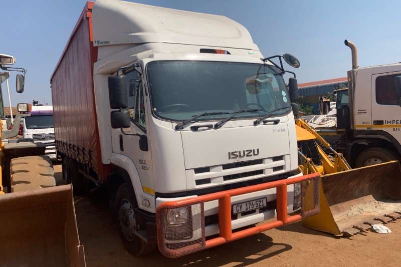 Isuzu Truck Curtain side FVM1200 2017
