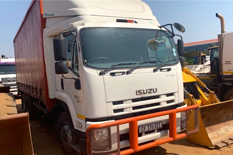 Isuzu Truck Curtain side FVM1200 6X2 2017