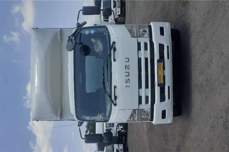 Isuzu Curtain side ISUZU FRR550 7.5M CURTAINSIDE BODY F/C C/C Truck