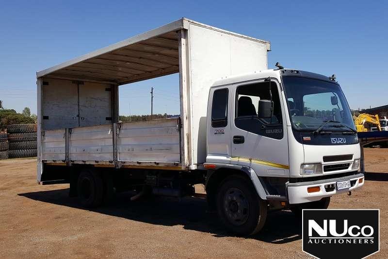 Isuzu Truck Curtain side ISUZU FSR700 TAUTLINER 2009