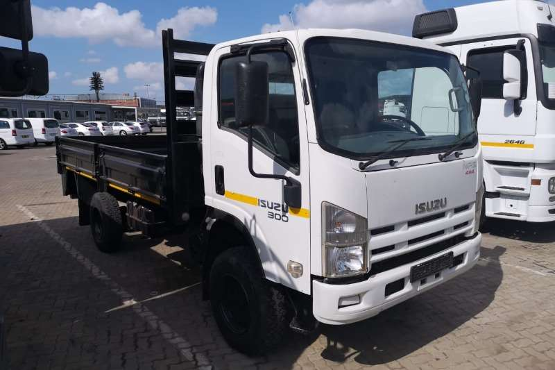 Isuzu Truck Dropside 2013 Isuzu 300 4×4 With drop sides 2013