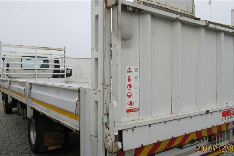 Isuzu Dropside FSR 800 tail lift Truck