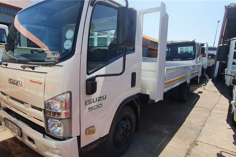 Isuzu Truck Dropside NQR500 AMT 2010