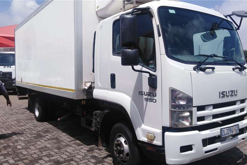 Isuzu Truck Fridge truck FRR550 REFRIGERATED TRUCK 2010