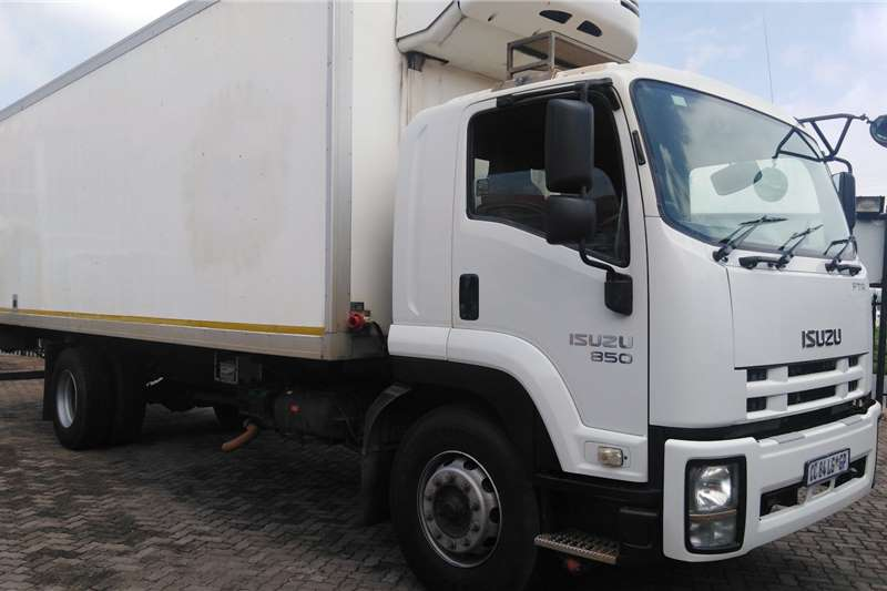 Isuzu Truck Fridge truck FTR850 REFRIGERATED TRUCK 2012