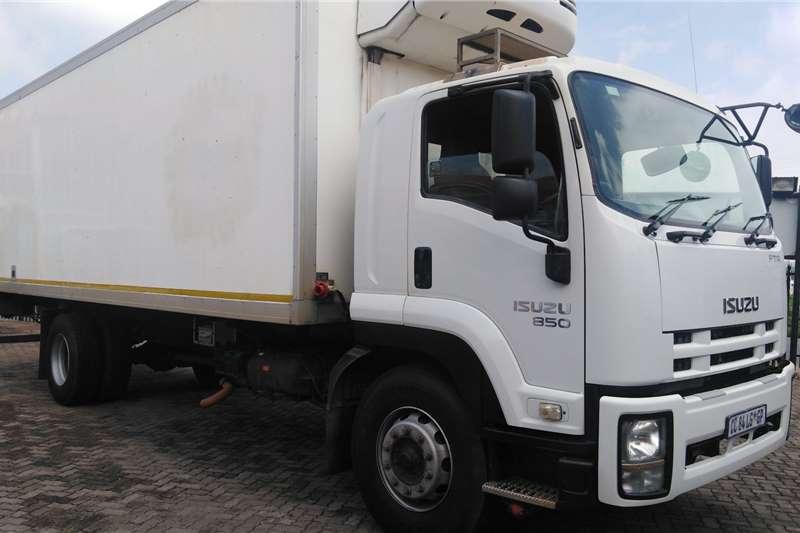 Isuzu Truck Fridge truck FTR850 REFRIGERATED TRUCK 2013