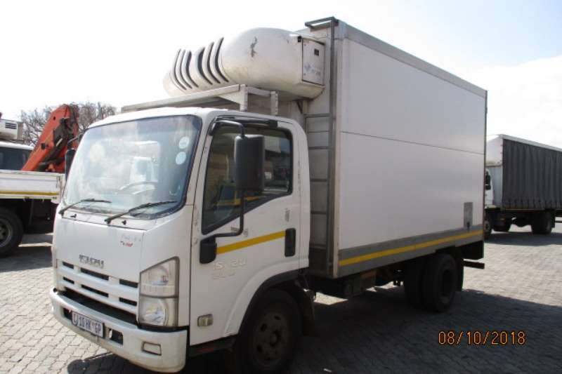 Isuzu Truck Fridge truck ISUZU NPR300 FRIDGE BODY 2013