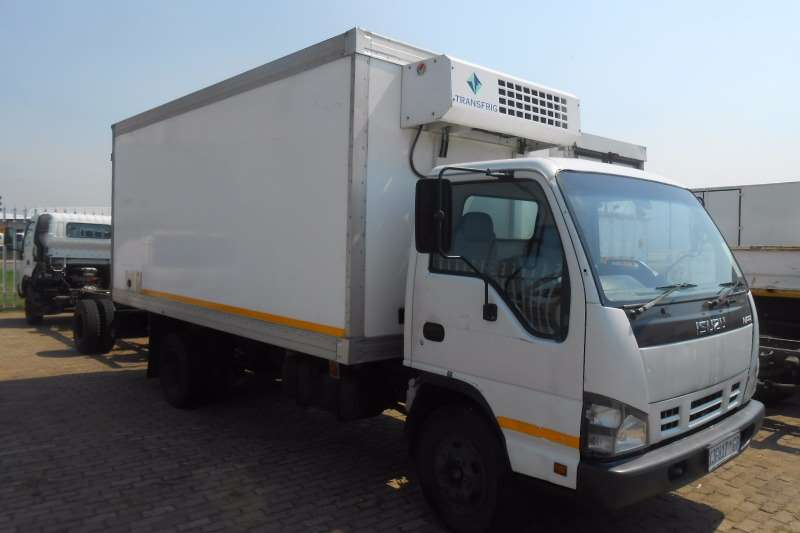 Isuzu Truck Fridge truck ISUZU NPR400 VAN BODY WITH KV CHILLER UNIT 2008