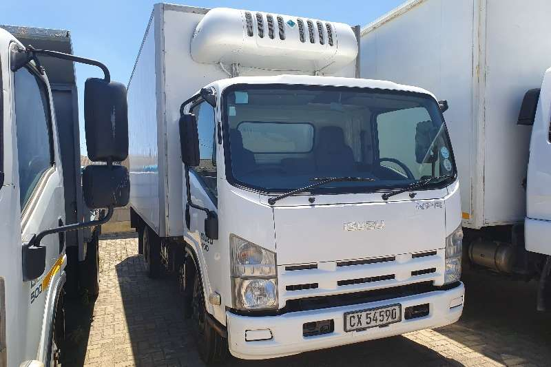 Isuzu Truck Fridge truck NPR 400 FRIDGE UNIT 2014