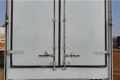 Isuzu FTR 800 CLOSED BODY 8 TON Truck