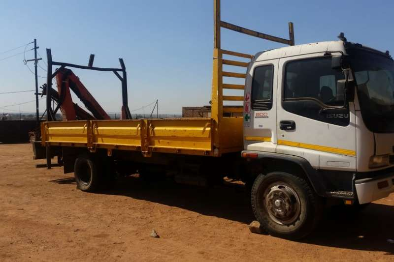 Isuzu Truck FTR800 with Crane